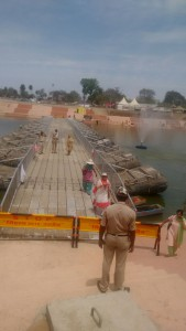 Pontoon bridges , connecting one Ghat with another.